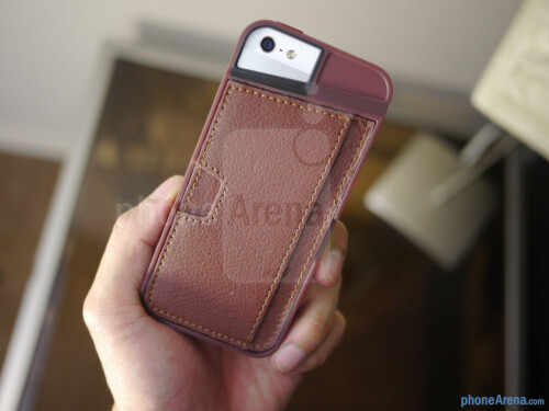CM4 Q Card iPhone 5 Case hands-on