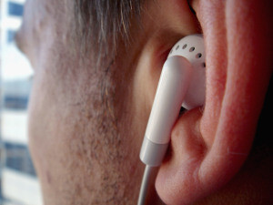 Is this Apple iPod listener damaging his hearing?