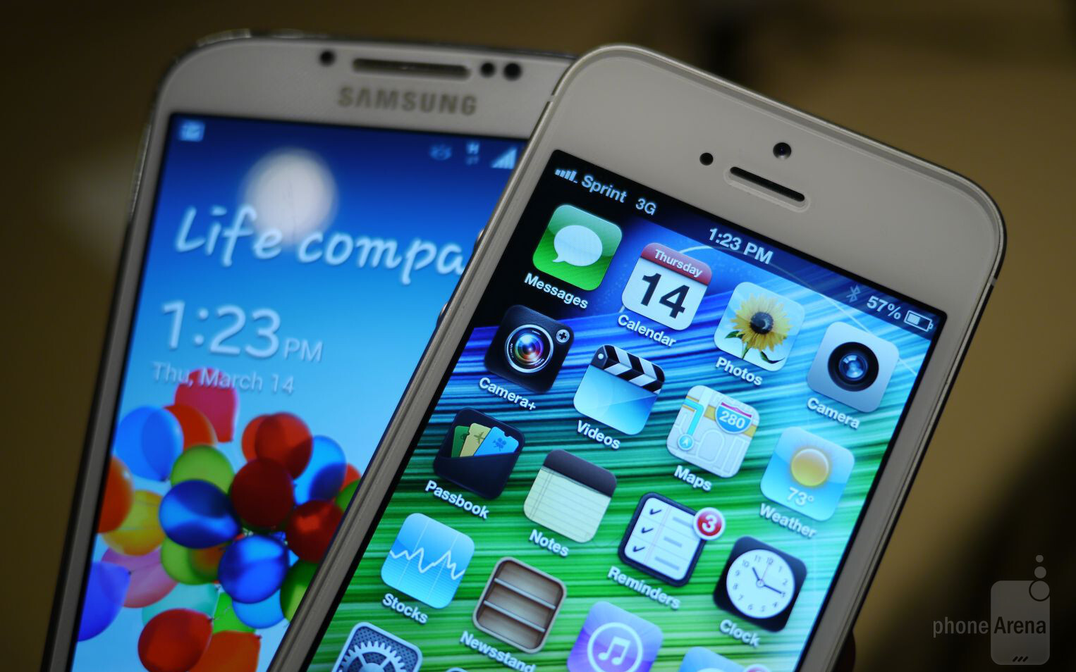 Samsung galaxy s iv vs apple iphone 5 first look