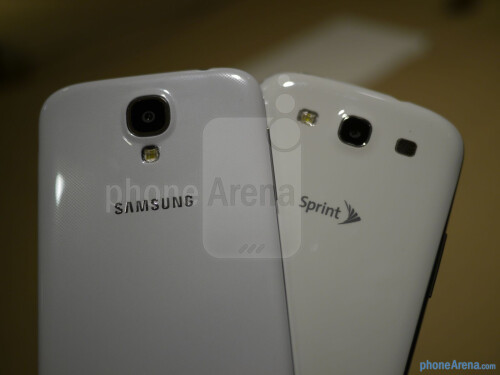 Samsung Galaxy S 4 vs Samsung Galaxy S III: first look