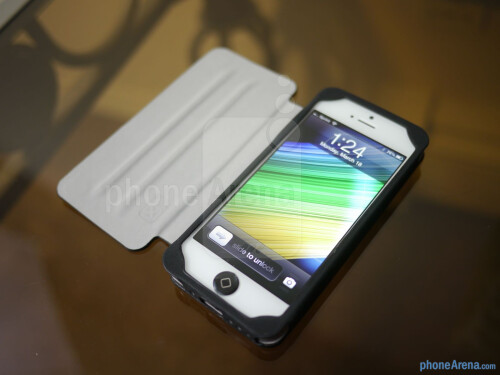 Case Scenario's Pantone Universe Bookcase for iPhone 5 hands-on