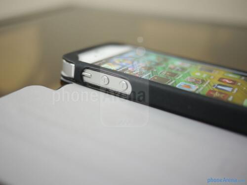 Case Scenario's Pantone Universe Bookcase for iPhone 5 hands-on