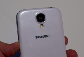 The Samsung Galaxy S4 does not capture FHD video at 60fps