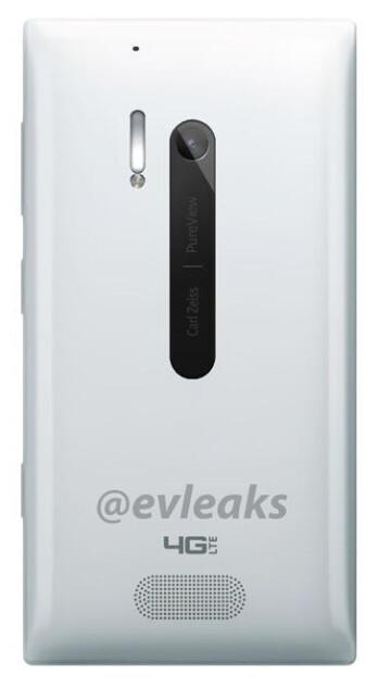 White Nokia Lumia 928 spotted