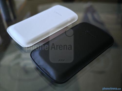 Spigen Samsung Galaxy S4 Crumena Leather Pouch Case hands-on