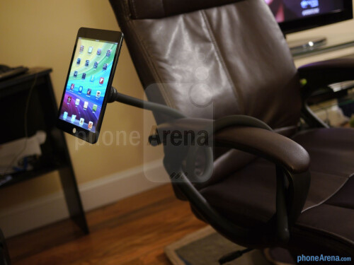 Monkey Kit Tablet Stand hands-on