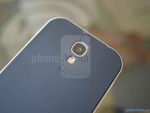 Spigen Neo Hybrid Samsung Galaxy S4 case hands-on