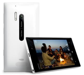 The Nokia Lumia 928 in white