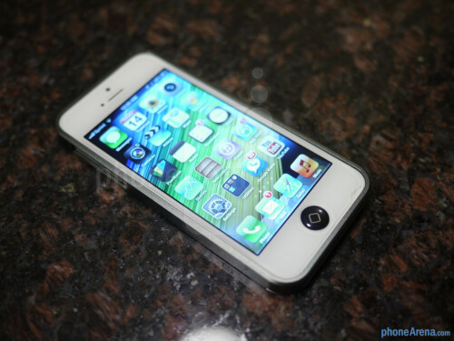 AL13 Ultra-thin Aluminum Bumper for iPhone 5 hands-on