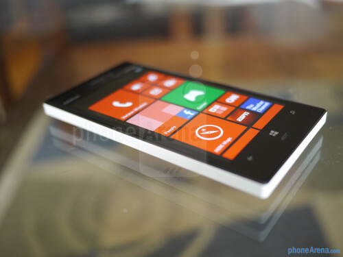 Nokia Lumia 928 unboxing and hands-on