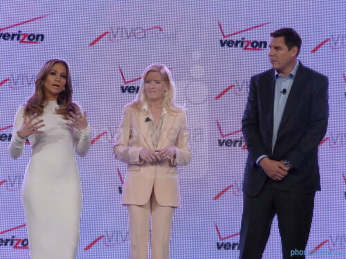 Viva Movil by Jennifer Lopez is a new premium Verizon retailer focusing on Latino consumers