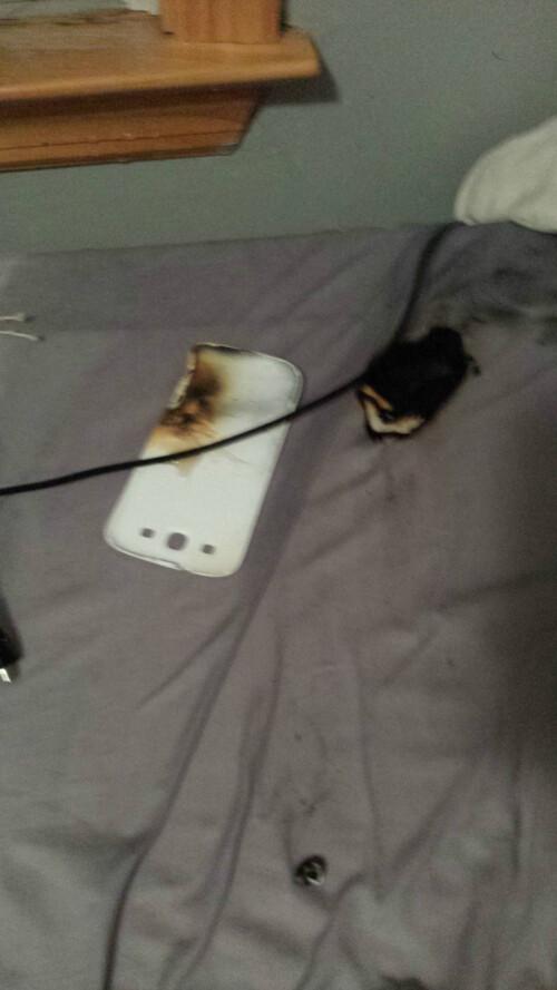 Galaxy S III spontaneous combustion