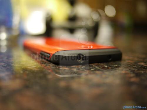 Spigen Slim Armor Samsung Galaxy S4 case hands-on