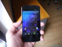 white-Google-Nexus-4-by-LG-81.JPG