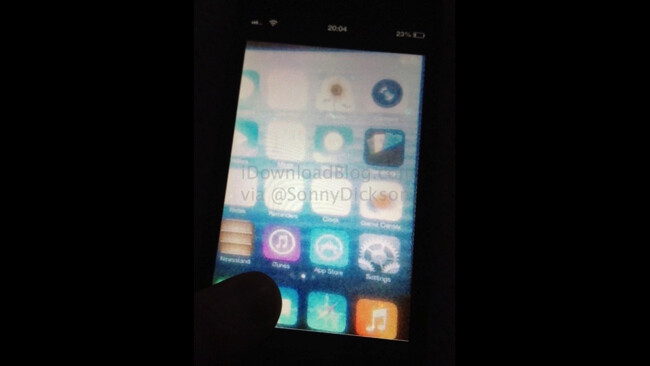 A leaked picture of iOS 7 - Is this a picture of iOS 7?