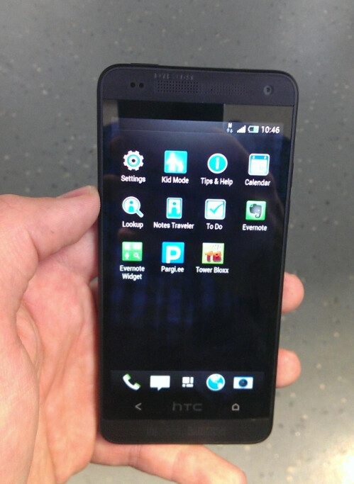 Alleged photos of HTC One mini
