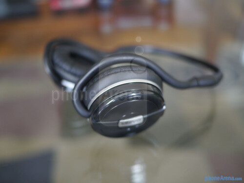 Kinivo BTH240 Bluetooth Headphones hands-on