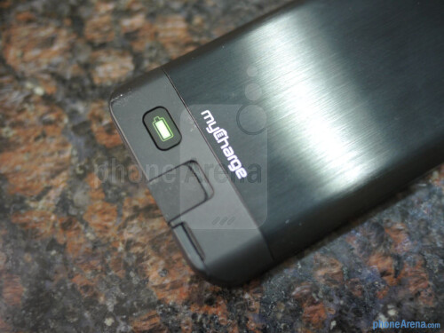 myCharge Freedom 2000 iPhone 5 battery case hands-on
