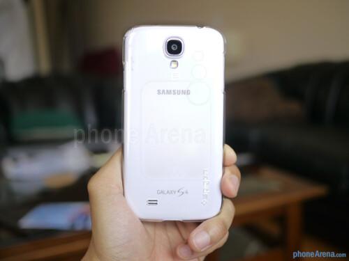 Spigen Ultra Thin Air Transparency Samsung Galaxy S4 case hands-on