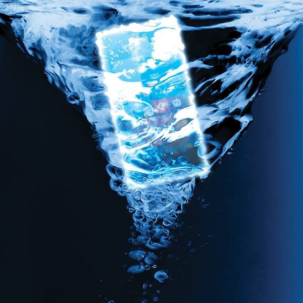 This picture, posted by Huawei, hints that the Huawei Ascend W2 will be water resistant - Photo hints that the Huawei Ascend W2 will be water resistant