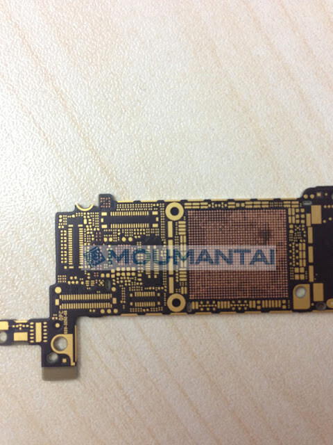 Alleged iPhone 5S motherboard shows up