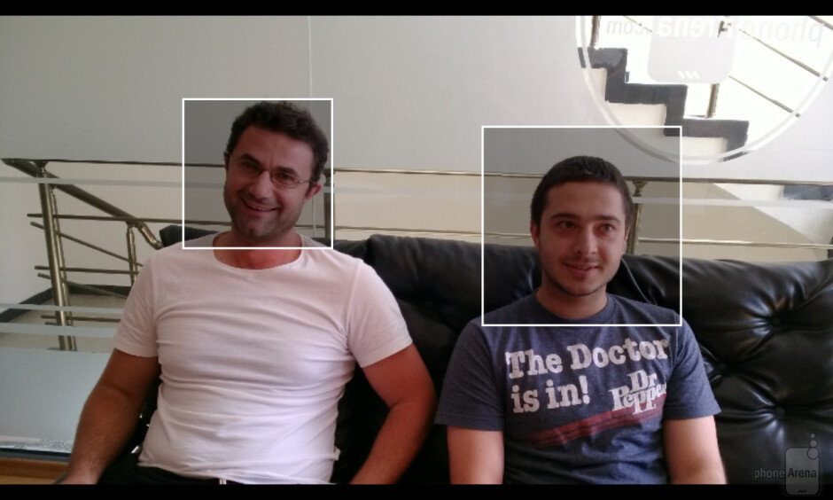 Replacing a person's face on a photo using Nokia Smart Cam - Nokia Smart Cam on the Nokia Lumia 925 is the cure for photobombs, here's a demo