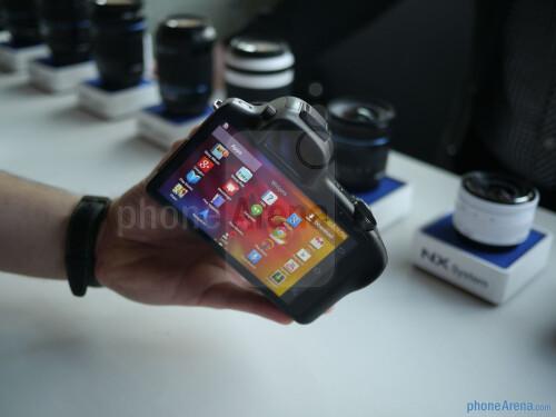Samsung Galaxy NX hands-on