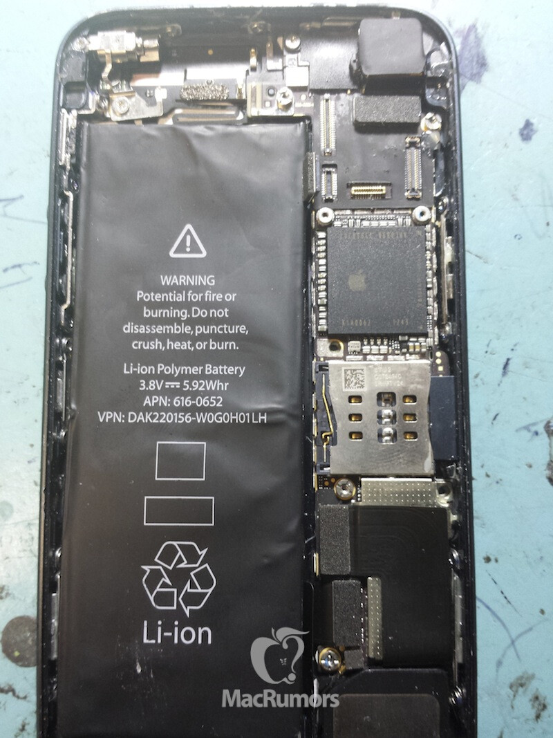 Is this the iPhone 5S? - Possible iPhone 5S prototype pictured with larger battery, dual LED flash