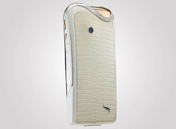 Savelli debuts luxury Android smartphone made especially for women
