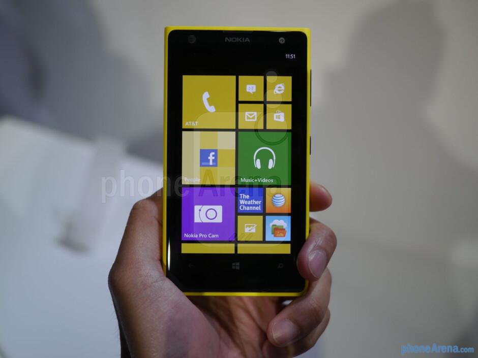 The Nokia Lumia 1020 features a 4.5-inch 768 x 1280 (WXGA) PureMotion HD+ panel with Gorilla Glass 3. - Nokia Lumia 1020 Preview