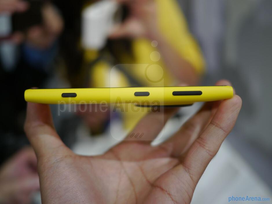 It has that classic Lumia design. - Nokia Lumia 1020 Preview