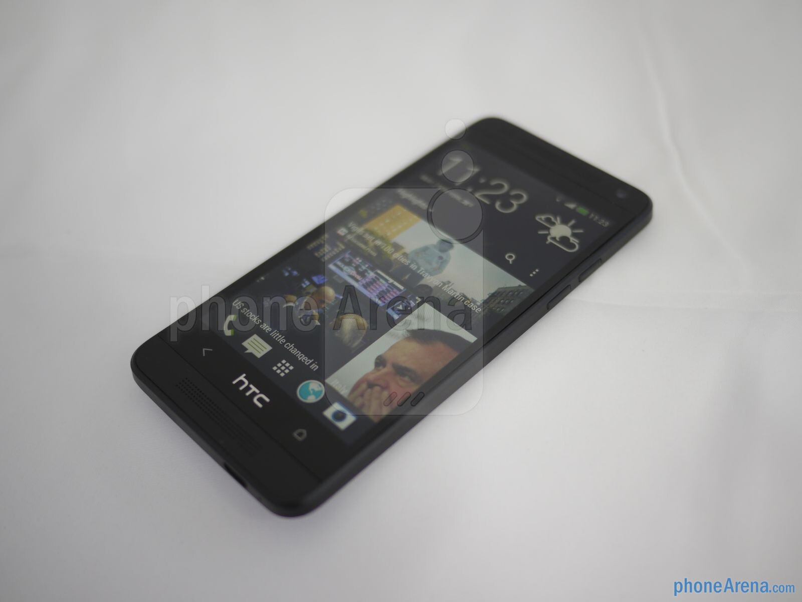 htc one mini hands on phonearena reviews. Black Bedroom Furniture Sets. Home Design Ideas