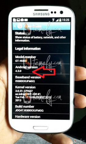 Samsung Galaxy S III running test version of Android 4.3