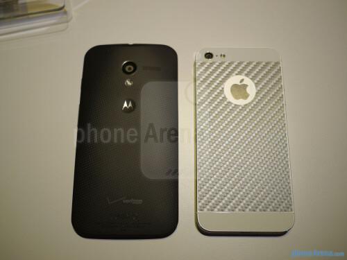 Motorola Moto X vs Apple iPhone 5 first look