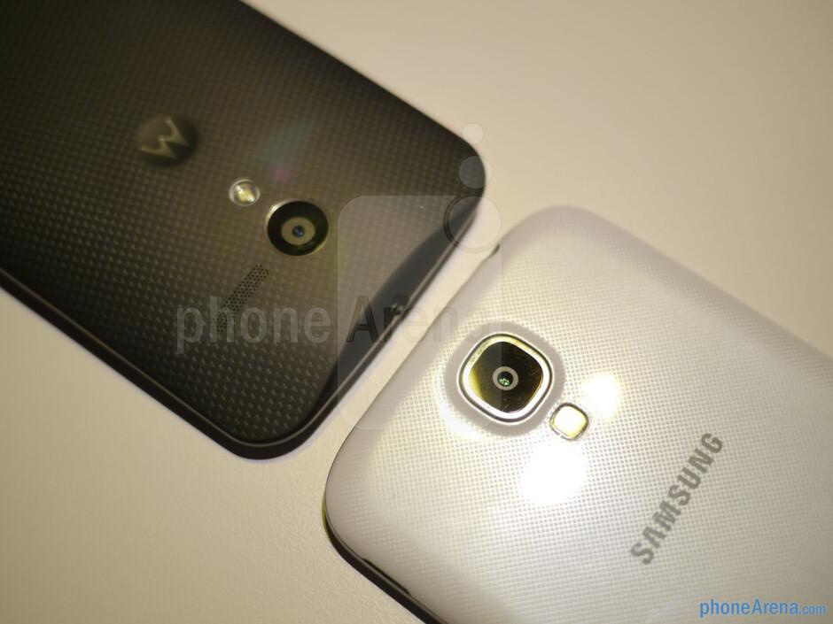 Motorola Moto X vs Samsung Galaxy S4 first look