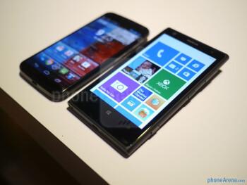 Motorola Moto X vs Nokia Lumia 1020 first look