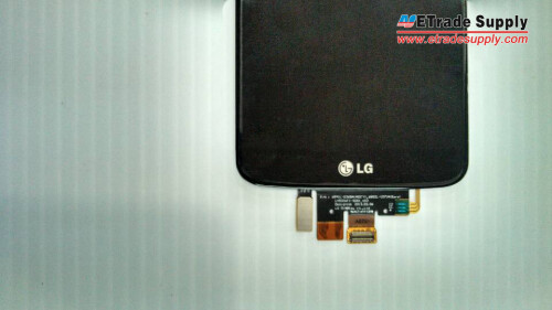 "LG G2 5.2"" display assembly waves hello, indicates shorter body with minimum bezel"