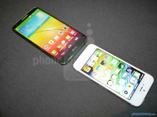LG G2 vs Apple iPhone 5