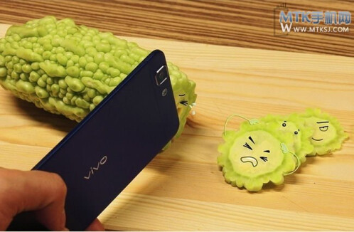 World's new thinnest phone, Vivo X3, poses for a weird photoshoot, acts like a knife