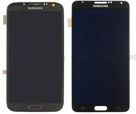 The two screen assemblies have been scaled to match, so the Galaxy Note 3 (right), while sporting a longer diagonal, will be negligibly bigger than its predecessor, the Note 2 (left)