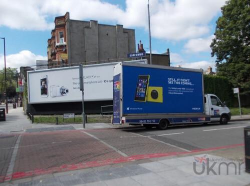 Nokia wrests control of a U.K. street corner from Samsung
