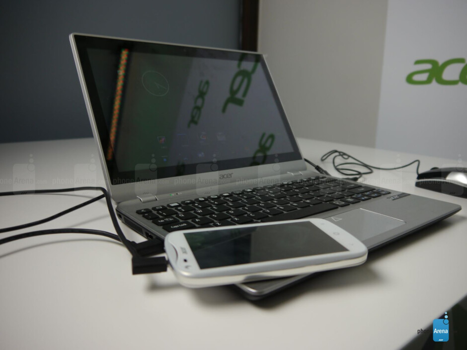 Acer Extend concept notebook chassis hands-on