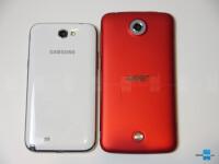 Acer-Liquid-S2-vs-Samsung-Galaxy-Note-2-7