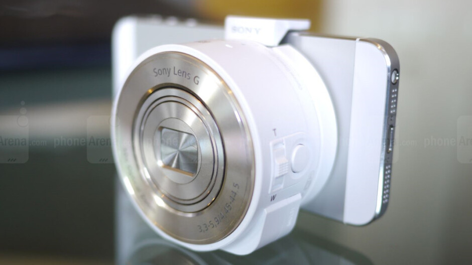 Sony Cyber-shot DSC-QX10 and DSC-QX100 hands-on