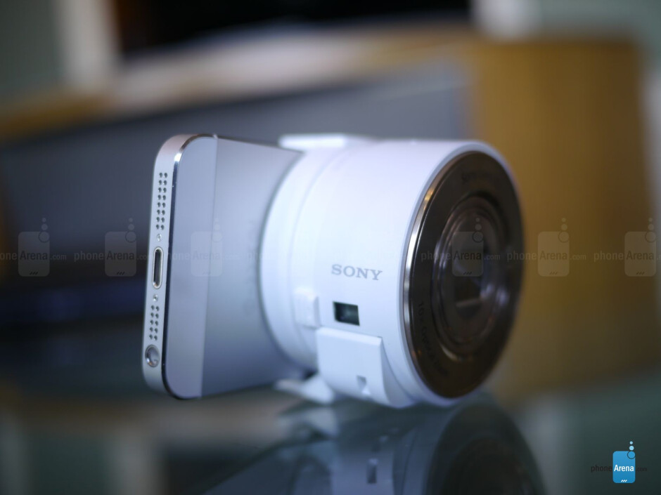 Sony Cyber-shot DSC-QX10 - Sony Cyber-shot DSC-QX10 and DSC-QX100 hands-on