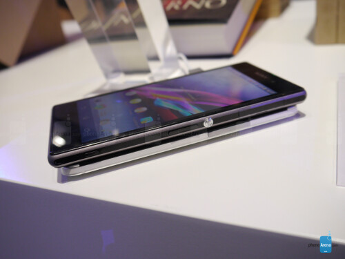 Sony Xperia Z1 vs HTC One: First look