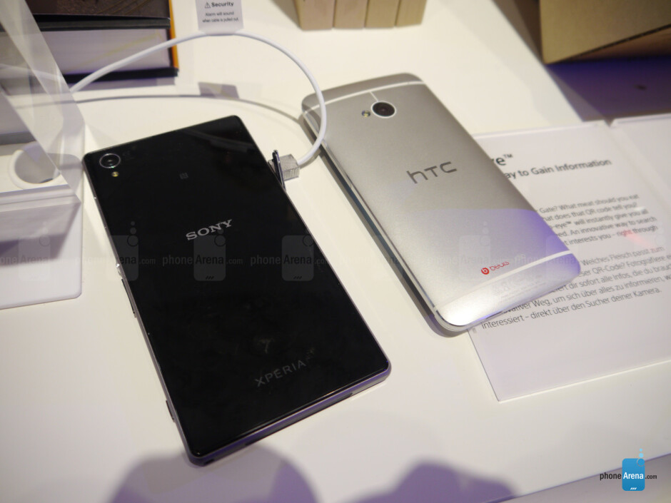 Sony Xperia Z1 vs HTC One - Sony Xperia Z1 vs HTC One: First look