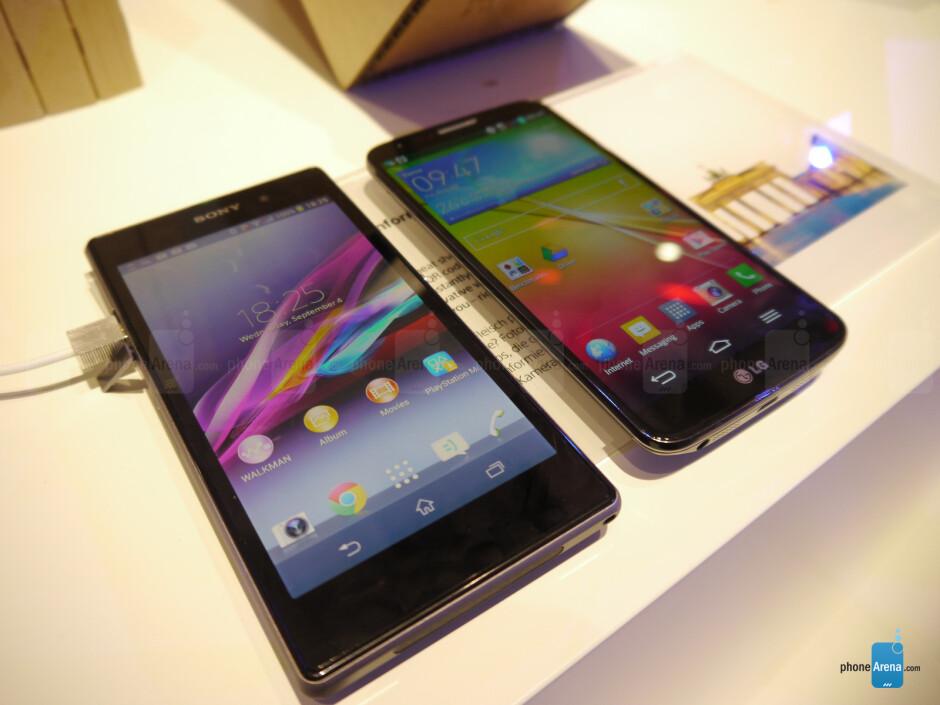Sony Xperia Z1 vs LG G2 - Sony Xperia Z1 vs LG G2: First look