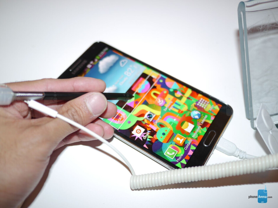 The new S-Pen with the Samsung Galaxy Note 3. - Samsung Galaxy Note 3 hands-on