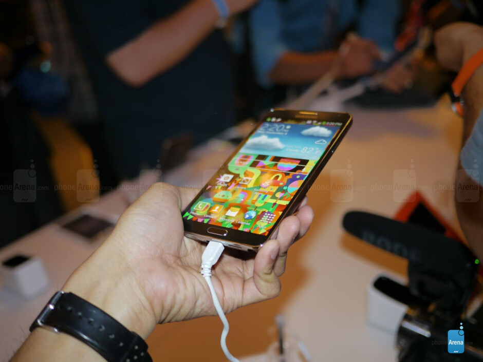 The Samsung Galaxy Note 3 packs a 5.7-inch 1080p Super AMOLED display. - Samsung Galaxy Note 3 hands-on